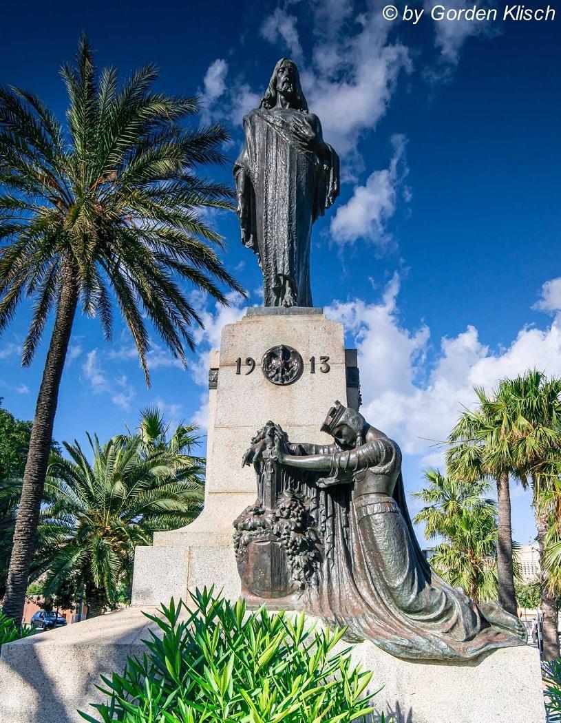 The king's humility Dive Vision Malta ©Gorden Klisch